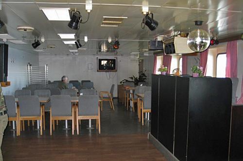 On-line: Бронируйте места  и заказывайте билеты линия Усть-Луга Балтийск